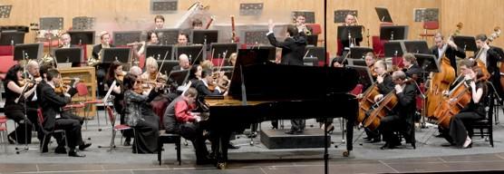 Adam Blažek s Janáčkovou filharmonií / foto (c) Werner Ullmann, 2012