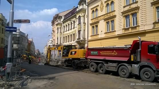 Rozkopaná Nádražní ulice a fontána na Smetanově náměstí / foto (c) Werner Ullmann