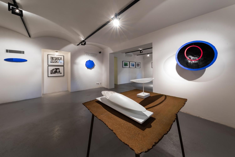 Fotografie k článku Bod jako agens umění: Reinhard Roy v Industrial Gallery