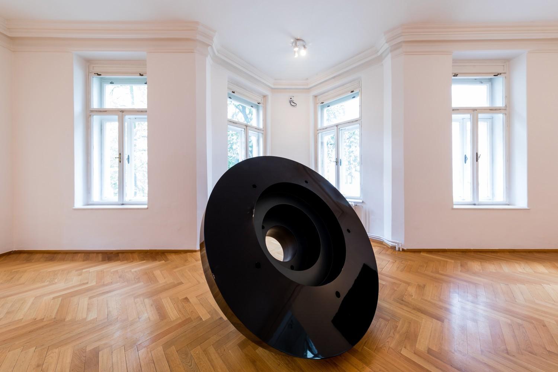 Fotografie k článku Rastr a prostor: Reinhard Roy ve Výstavní síni Sokolská 26