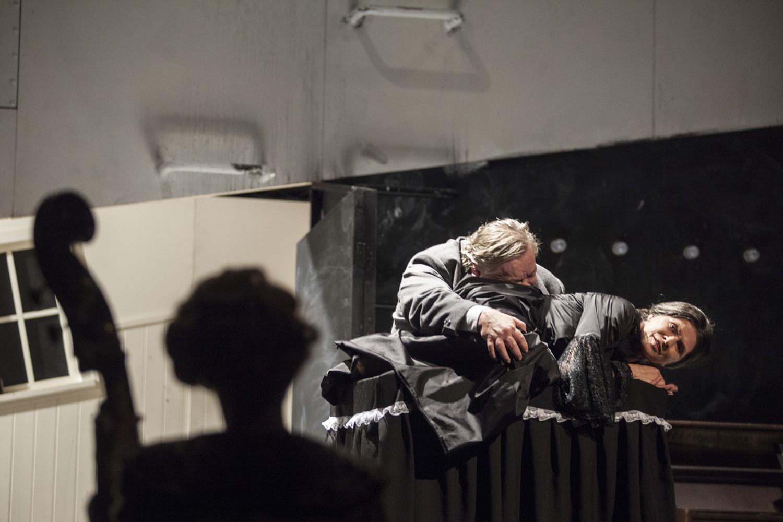 Fotografie k článku Spalovač mrtvol pokoušený mocí a posedlý smrtí
