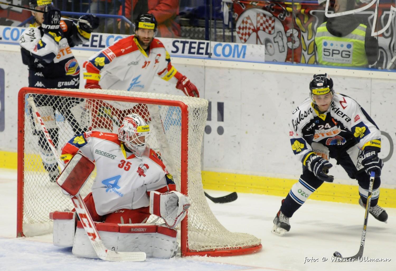 Fotografie k článku Vítkovičtí hokejisté porazili Olomouc 2:1