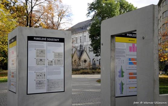 Výstava o sídlištích na Ostravsku v Husově sadu / foto (c) Werner Ullmann