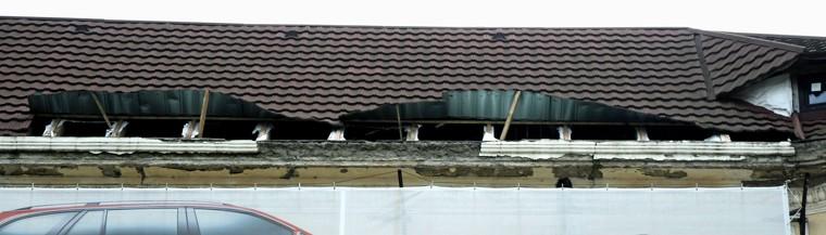 Fotografie k článku Řízená destrukce obchodního domu Textilia (Ostravica)