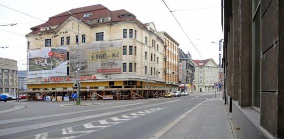 ��zen� destrukce obchodn�ho domu Textilia (Ostravica) / foto (c) Werner Ullmann, 2011