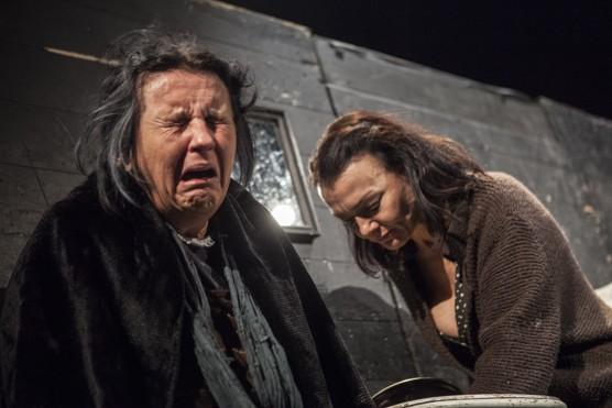 Kráska z Leenane – syrové drama prolnuté černým humorem / foto (c) Lukáš Horký / bezruci.cz